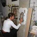 allieva al corso mosaico romano